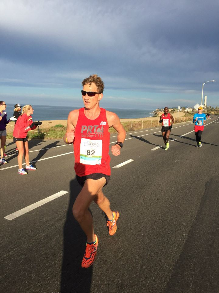 Justin Turner at the 2015 Carlsbad Half Marathon, en route to a sub-1:10 finish.