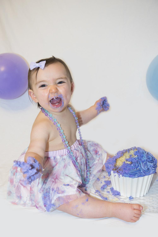 Riley-Cake-Smash-Image-18.jpg