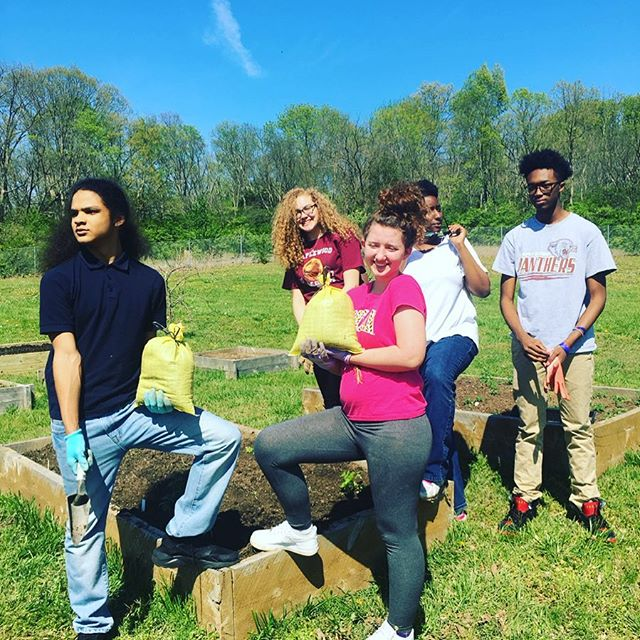 Looking forward to getting outside with these guys and getting our hands dirty!!!! #growsomething #growyourownfood #organic #nongmo #schoolgardens #urbanfarming 💚 #eastnashville