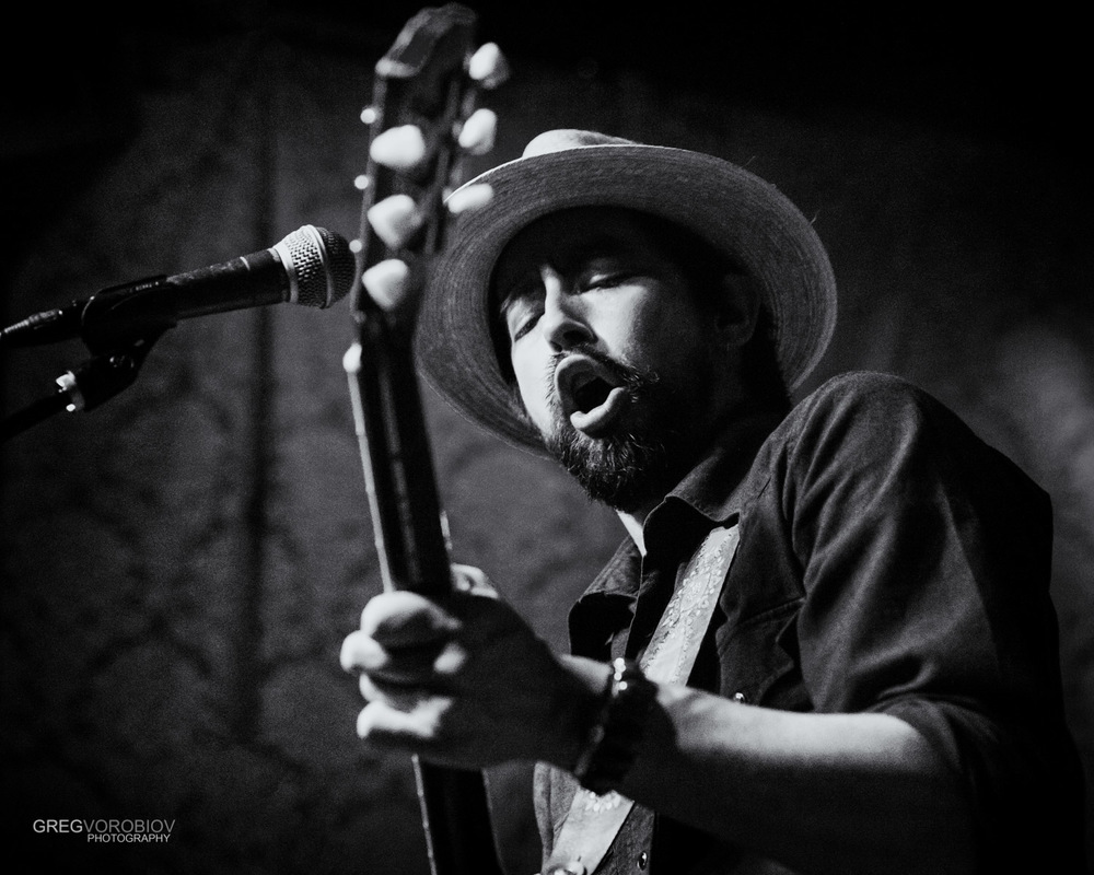 jackie_greene_by_greg_vorobiov-1.jpg