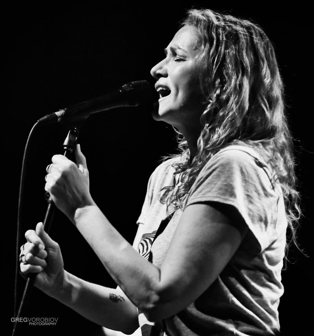 joan_osborne_trigger_hippy_concert_by_greg_vorobiov-3-5.jpg