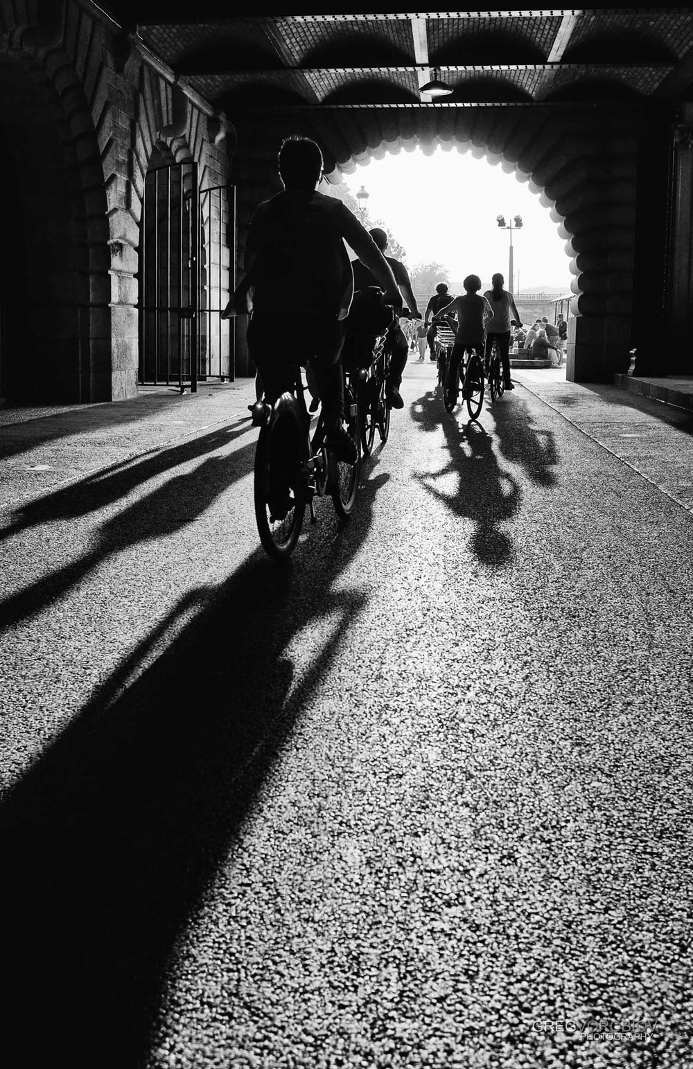 bicycles_seine_paris_by_greg_vorobiov-1.jpg