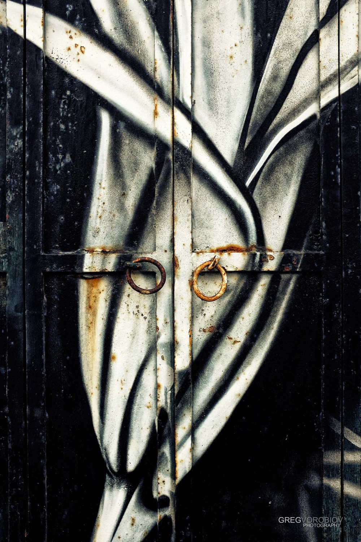 john_lennon_doors_venice_italy_by_greg_vorobiov_1_DSCF9998 (1).jpg