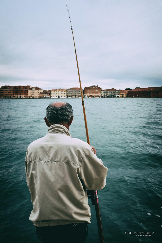 fisherman_venice_italy_by_greg_vorobiov_1_DSCF9985 (1).jpg