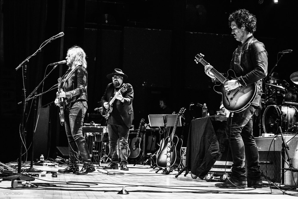 Lucinda Williams, Jimmy Vivino, Doyle Bramhall II