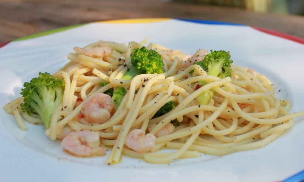 Pasta with Broccoli, Shrimp, Lemon and Red Chili Pepper