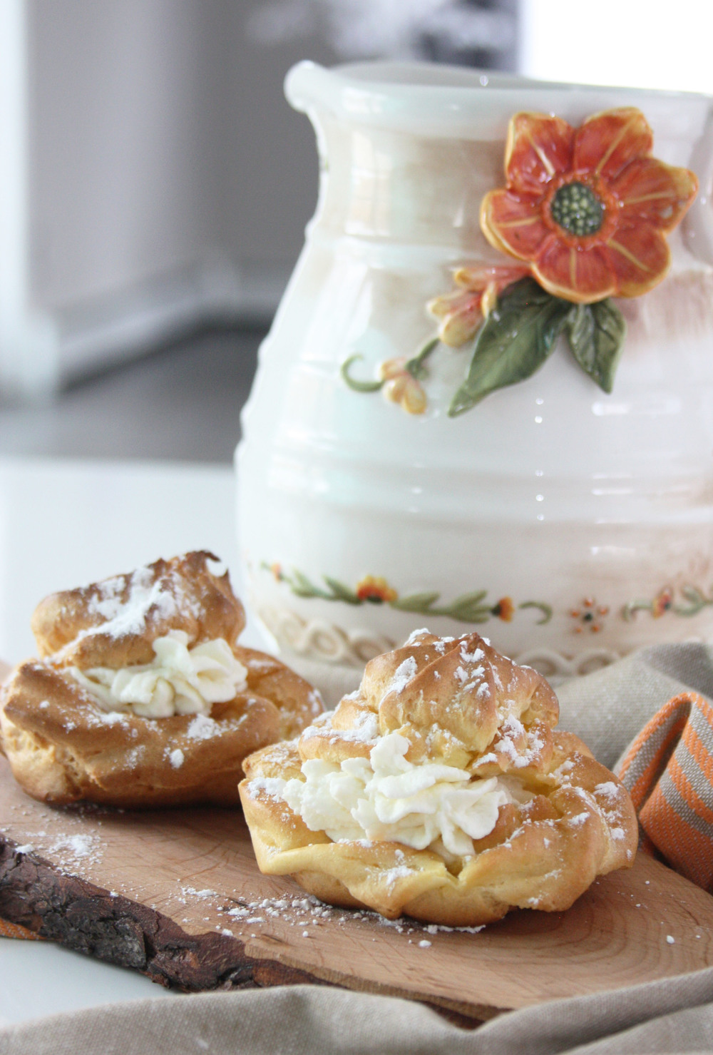 sweets puffs cake cottage cheese cream latvian