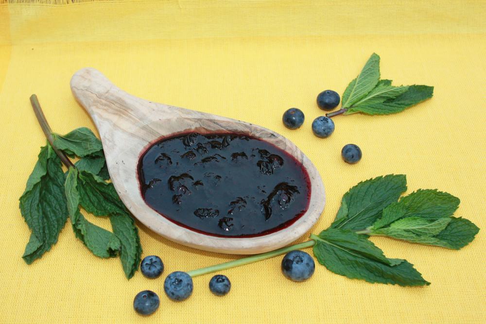 homemade blueberry jam sugar pectin