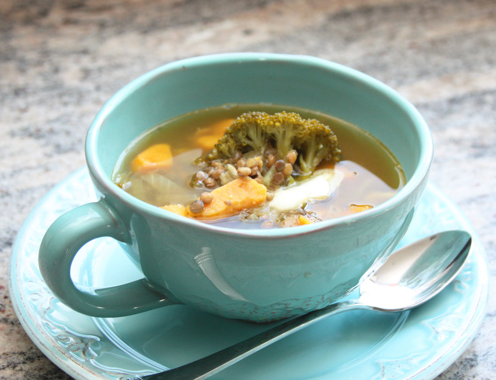 vegetarian broccoli lentils soup.jpg
