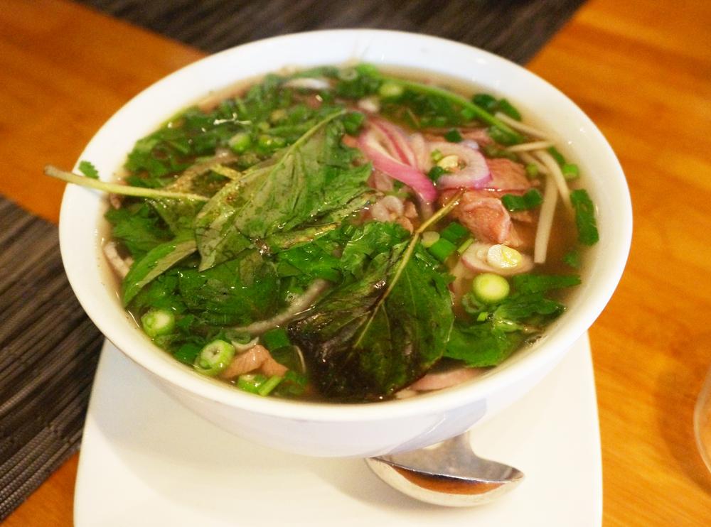 Kobe Beef Noodle Soup,够鲜,应该是MSG放的够狠。牛肉也挺嫩,只是没有了平价越南粉店里牛筋,牛腩,牛肉圆的选择。