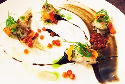 忘了名字,类似一个sashimi selection吧。真的一般,不推荐点。