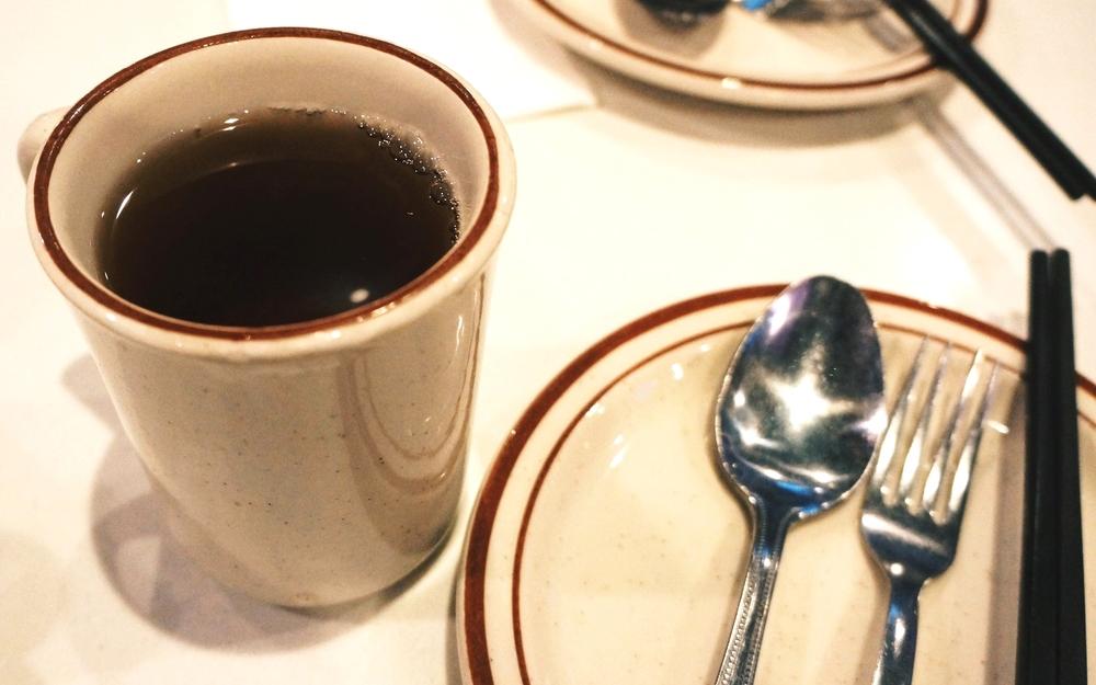 赠送的红茶。不知道还有没有人和我一样特别喜欢喝这个红茶,一顿饭能喝3,4杯。