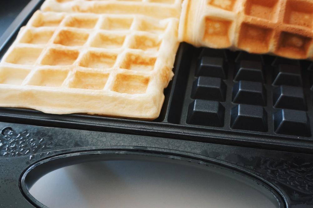 这种方形的,洞比较深的一般是Belgium waffle iron