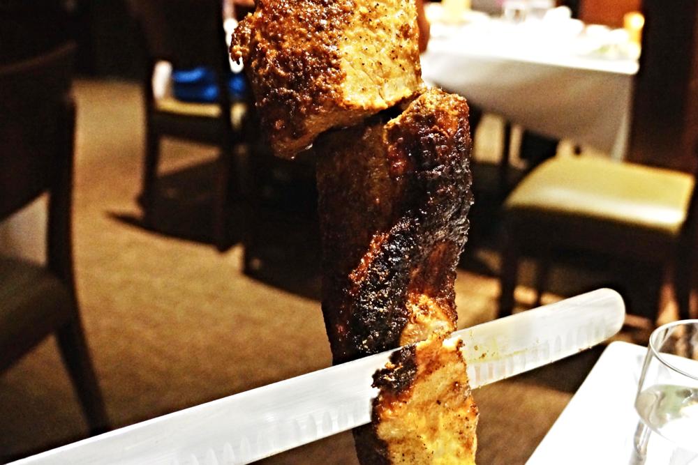 LOMBO: pork loin with coriander adobo 和牛羊肉比这个就比较柴啦,也确实因为是fully cooked,猪肉没人吃生的吧?