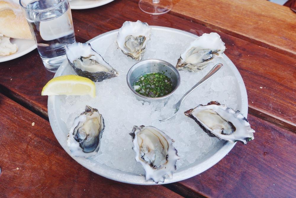 Fresh oysters。我只知道理论上来说生蚝要又甜又脆才叫好,只可惜这舌头还不到那个境界。
