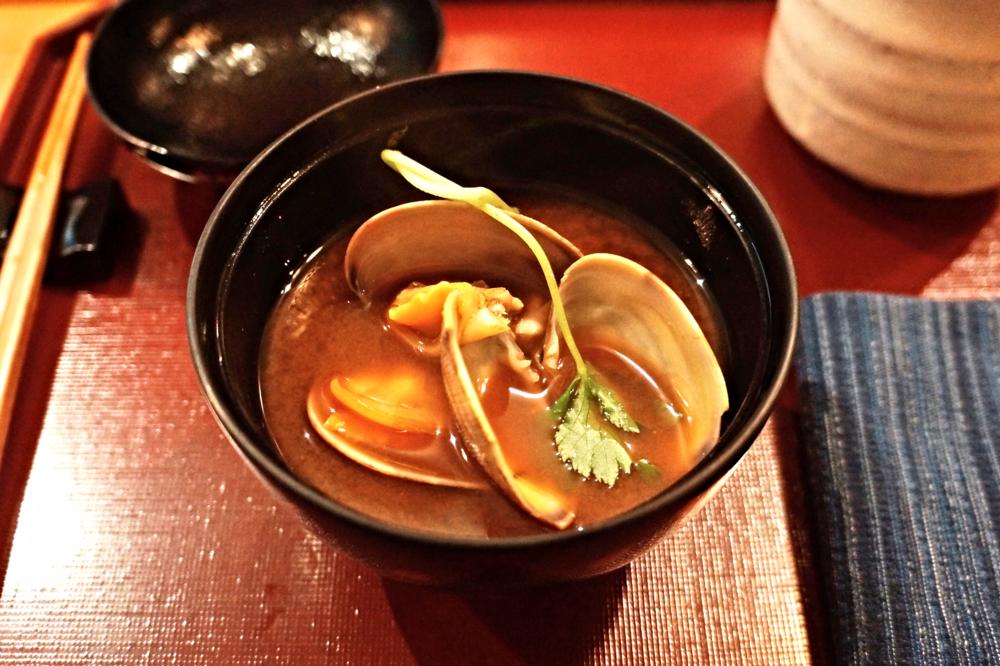 Owan: miso soup with clams 汤里面的clam还是值得拍手叫好的,又新鲜又大颗。