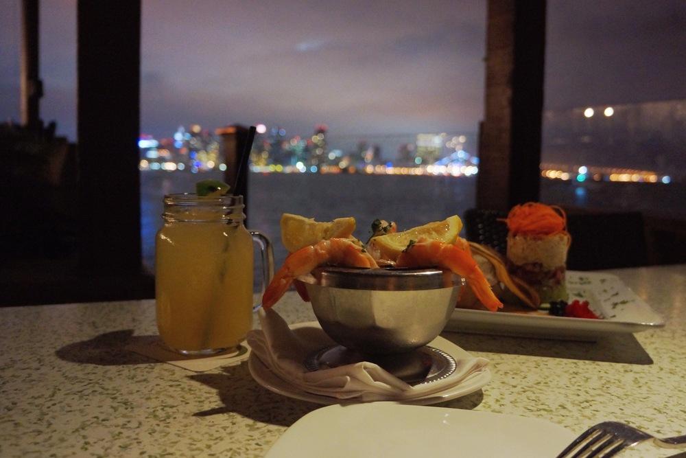 食物本身居然出乎意料非常惊艳。只可惜在这样的景色面前不知道到底该聚焦在食物上,还是景色上。