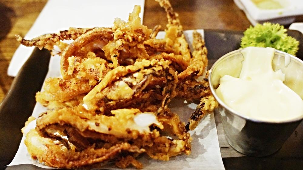 Geso Karaage(deep-fried squid legs with Japanese seven spices) $6 炸物很难做的难吃,而鱿鱼也不同于鸡肉,不需要腌制过久。美乃滋的蘸酱不错,值得一点