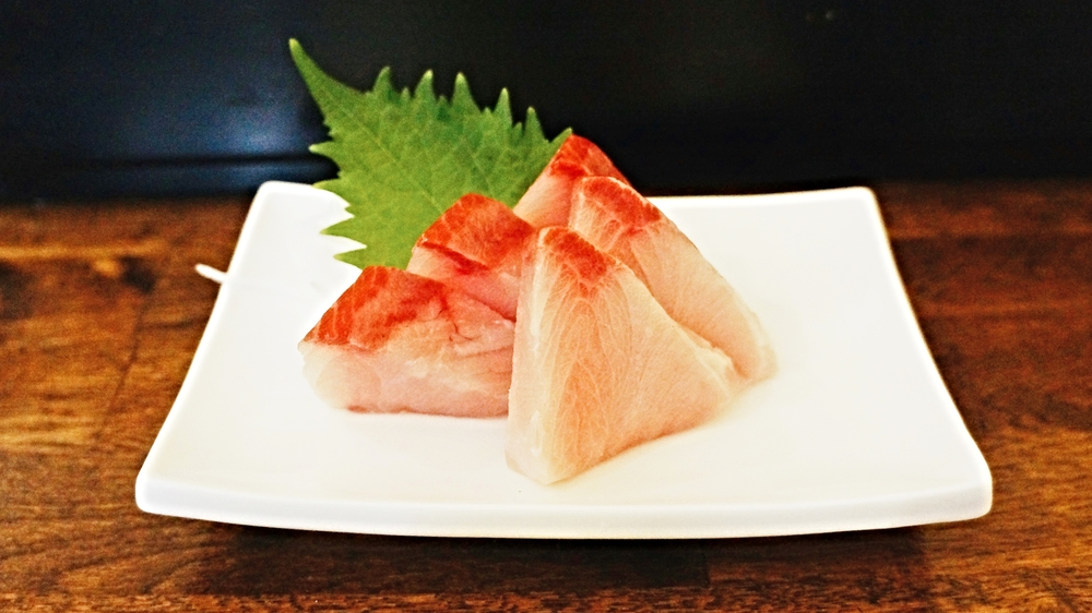 Hamachi sashimi $12 吃过的中等水平hamachi,这家sashimi的厚度很满意,吃起来相当满足
