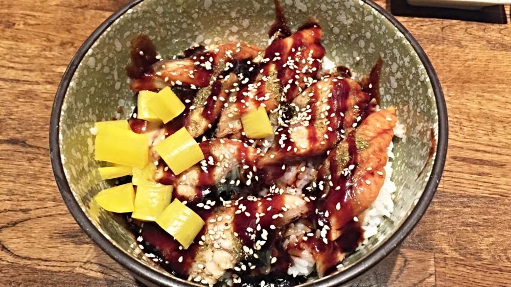 Unagi Don $16 他们的酱汁太足的梅子味道,没有经典的蒲烧鳗鱼酱汁好吃,而且饭凉了,不推荐。