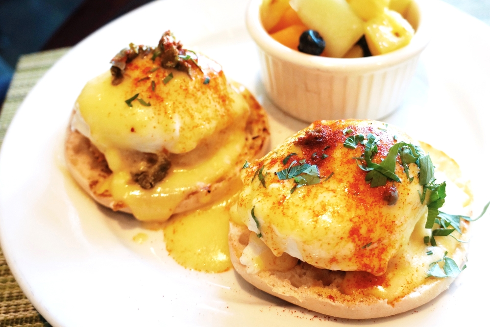 Crab Cake Benedict(two crab cakes, poached eggs, caper hollandaise) $18