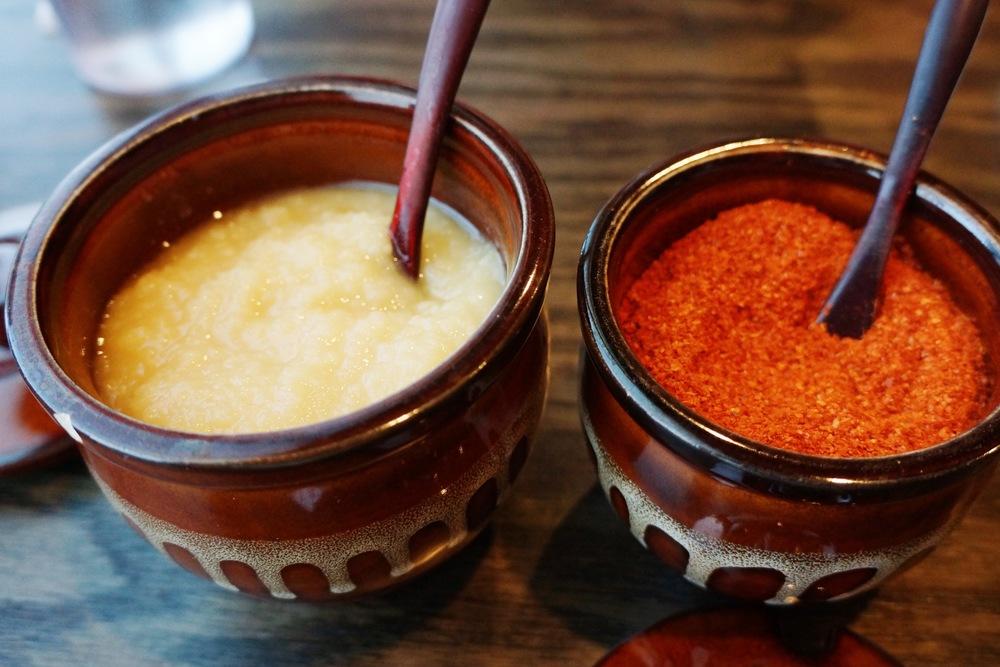 Garlic and chili pepper. 现在发现加了慢慢大蒜的拉面才好吃