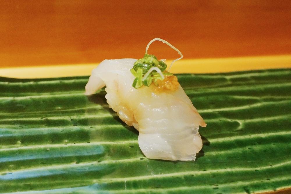 Mysterious piece. 我真是很笨的人,吃鱼真的除了那几个惯有的,其他的我都记不住名字