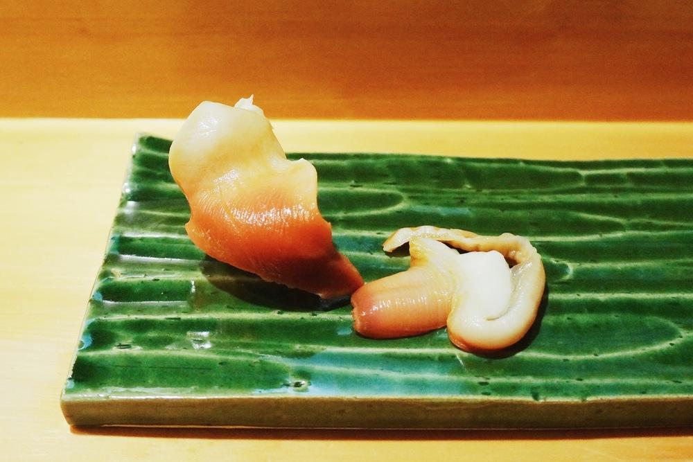 Akagai (Japan, Surf clam) 最重点推荐的一个!我第一次在美国吃北极贝,国内凡是点寿司拼盘必有的一道。这个相当甜,相当脆,流连忘返!