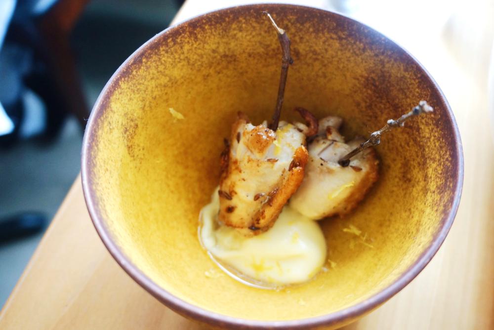 Chicken wings with lemon $5 很juicy!