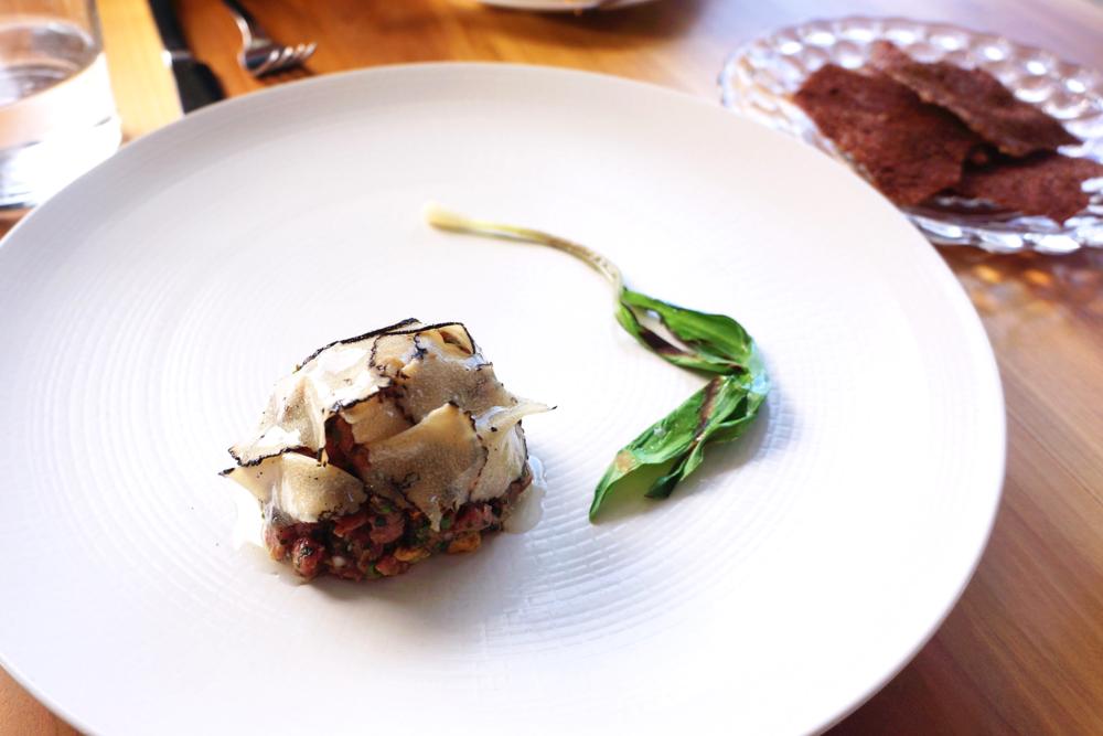 Wagyu tartar, grilled ramps, summer truffle and hazelnut $20 最近发现了高能蔬菜ramp,和牛肉搭配太棒