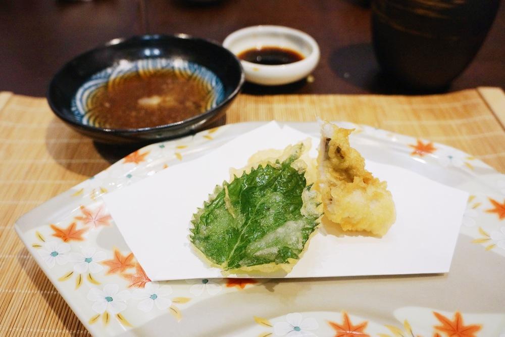 扬物:星鳗天妇罗搭配红薯和紫苏叶 第一次吃紫苏叶天妇罗,很赞!