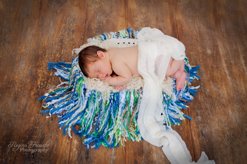 In-Home Newborn Session - Vail Child and Family Photographer-1631-11.jpg