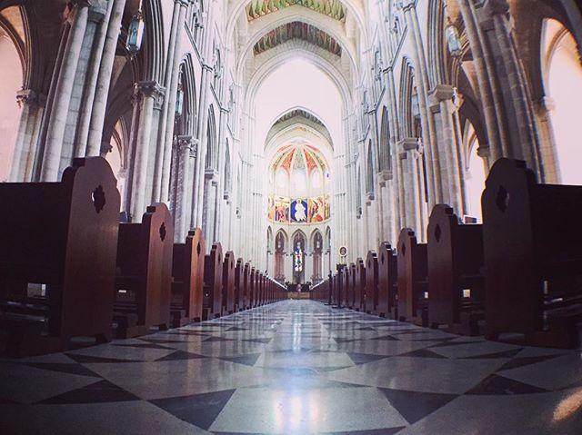 Pease  #阿穆德納聖母主教座堂