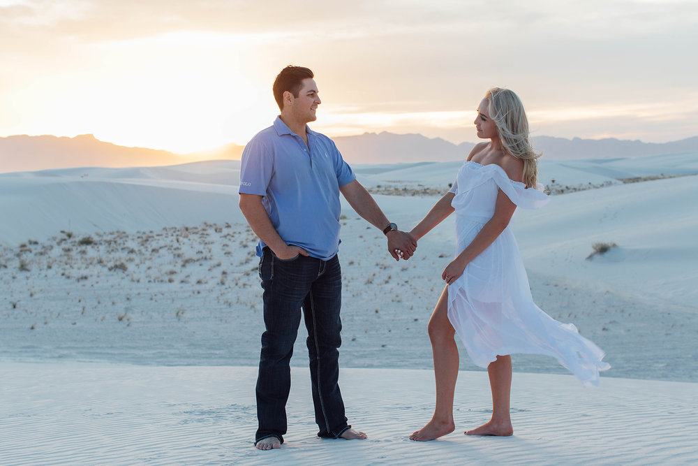 white-sands-engagement-portraits_40.jpg