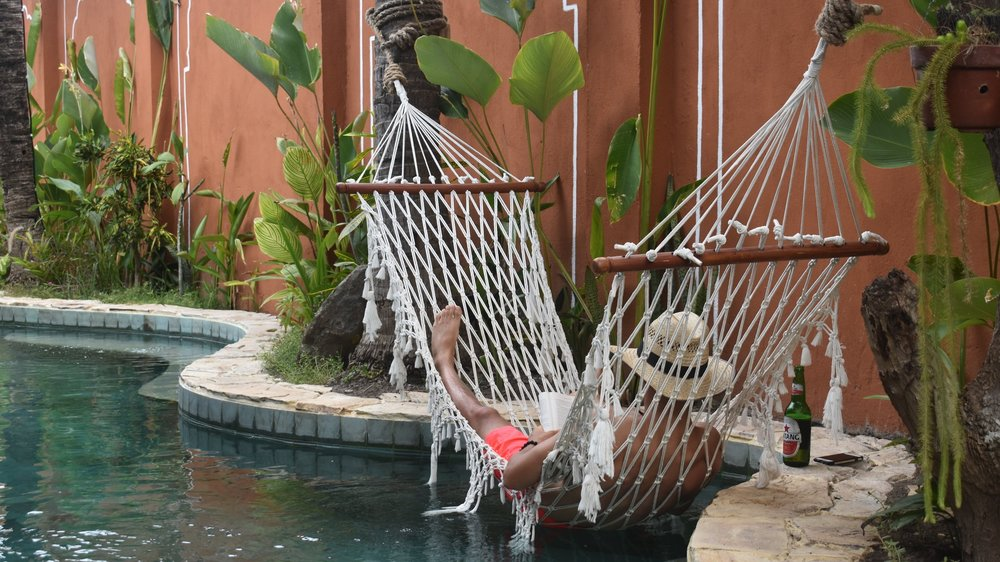 Relax+in+our+tropical+pool