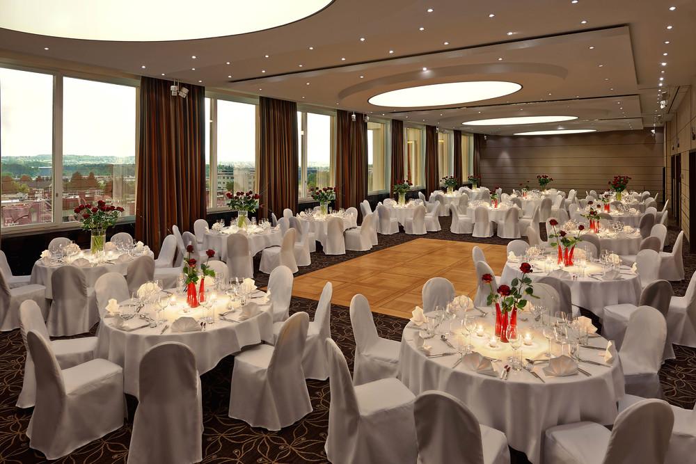 Banquet_Panorama A-C_1.jpg