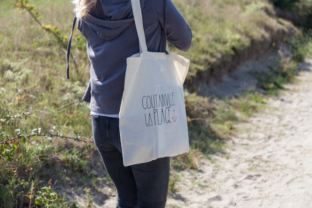"""Le superbe sac """"Coutainville La Plage"""" de l'école de surf Mauna Kéa !"""