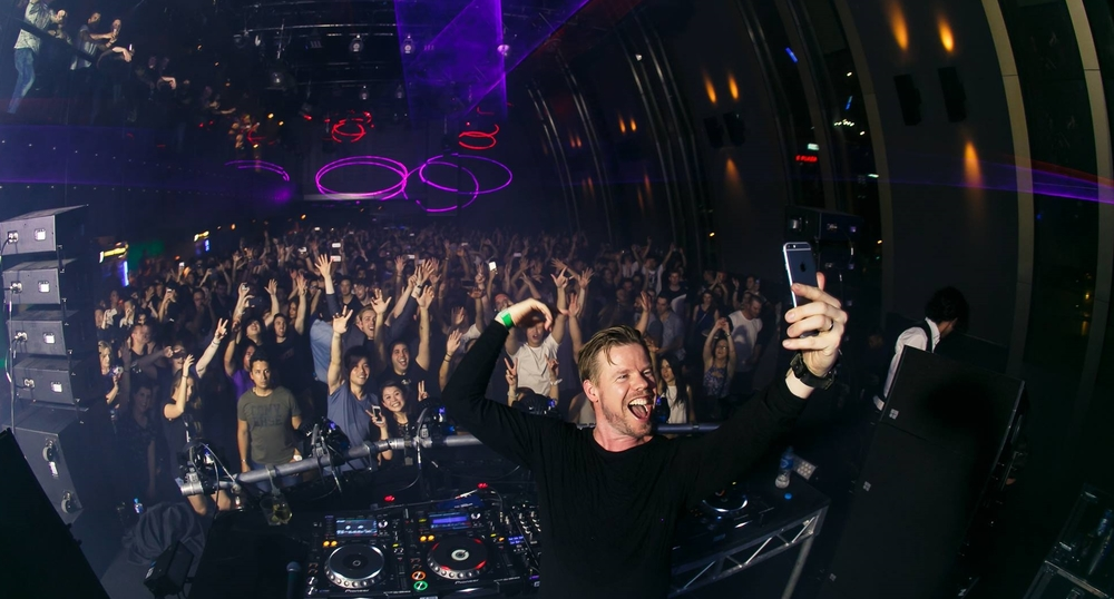 Ferry Corsten playing in Studio 3