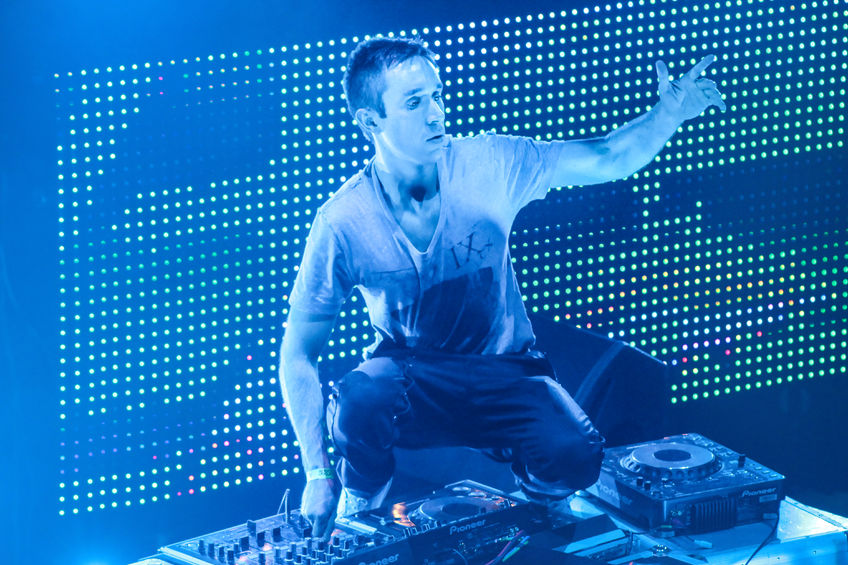DJ Eddie Halliwell performs at Urban Wave festival on April 16, 2011 in Minsk, Belarus