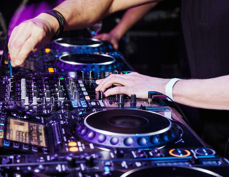 The DJ Disclosure - Two DJs Mixing 786 Width x 610 Height.jpg