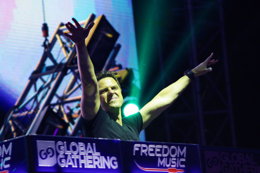 Markus Schulz at the Global Gathering 848 Width x 565 Height
