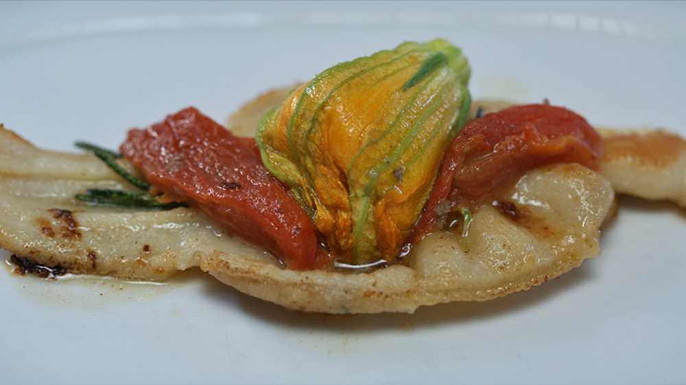 zucchini flower 1024px.jpg