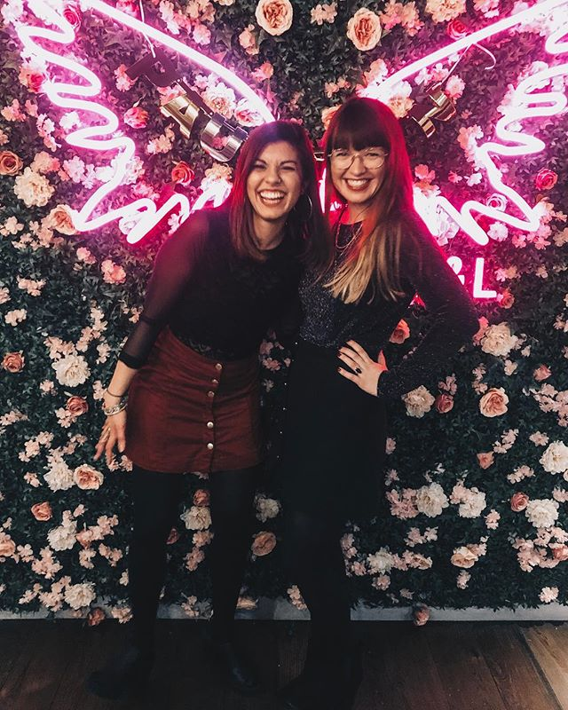 Navigating the weird world of single parenting and dating as a self-employed 26-year-old prone to bouts of anxiety is not actually all that terrible when you've got a best mate/cheerleader like @bonitabluebell. She's the only soul mate I need. 👯‍♀️
