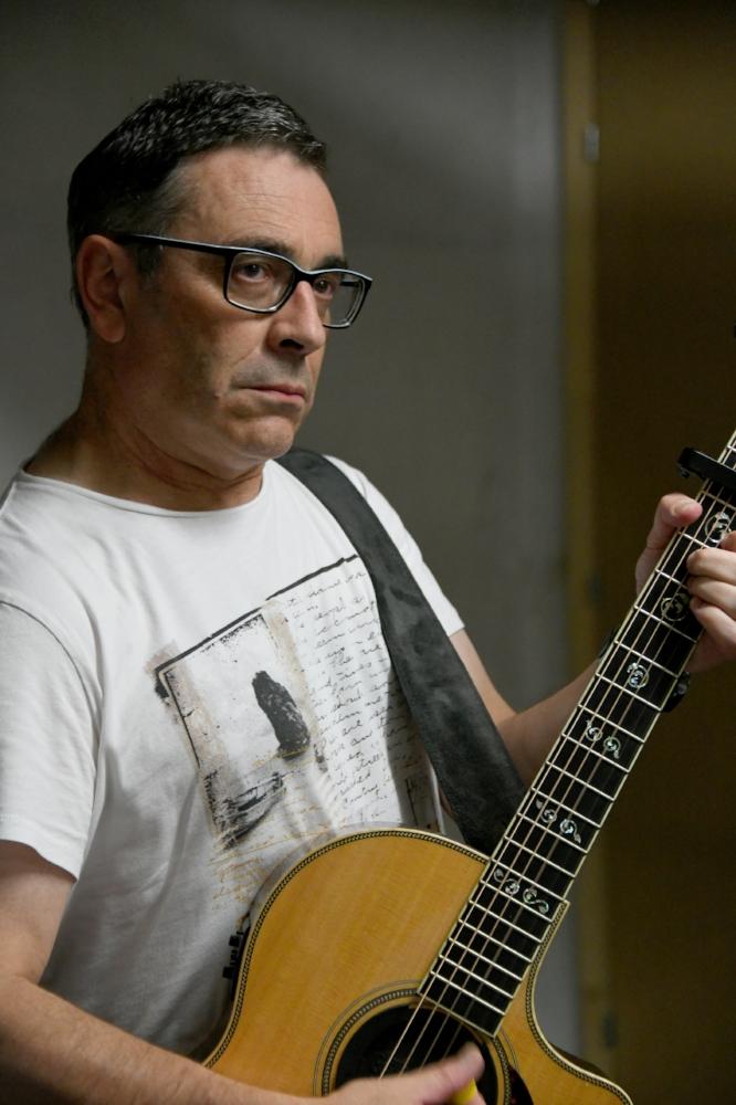 ANDRE SCHIBLER   VOCAL GUITARE ACOUSTIQUE - CLAVIER