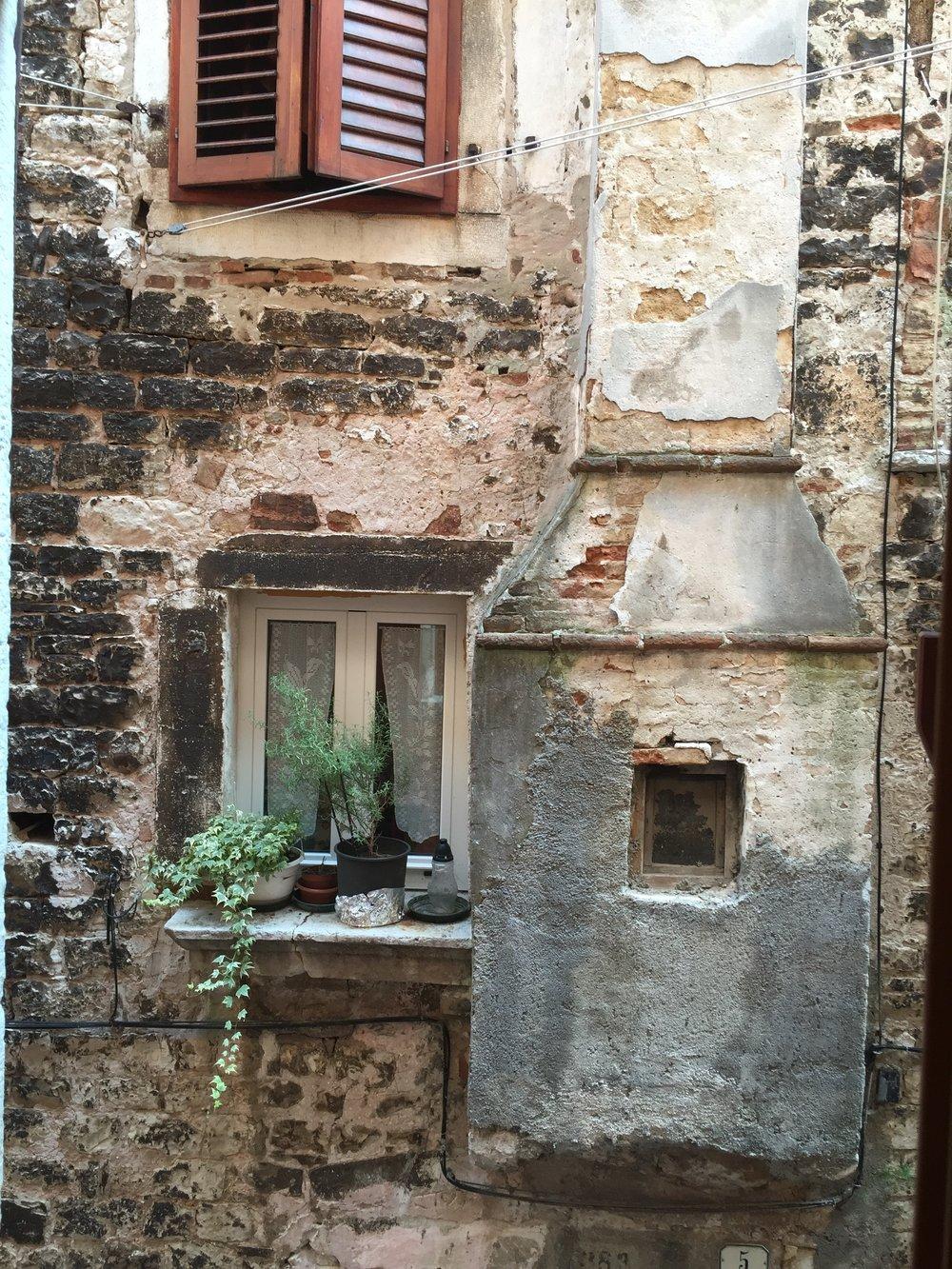 Old Building in Rovinj, Croatia |  Traveling Newbies