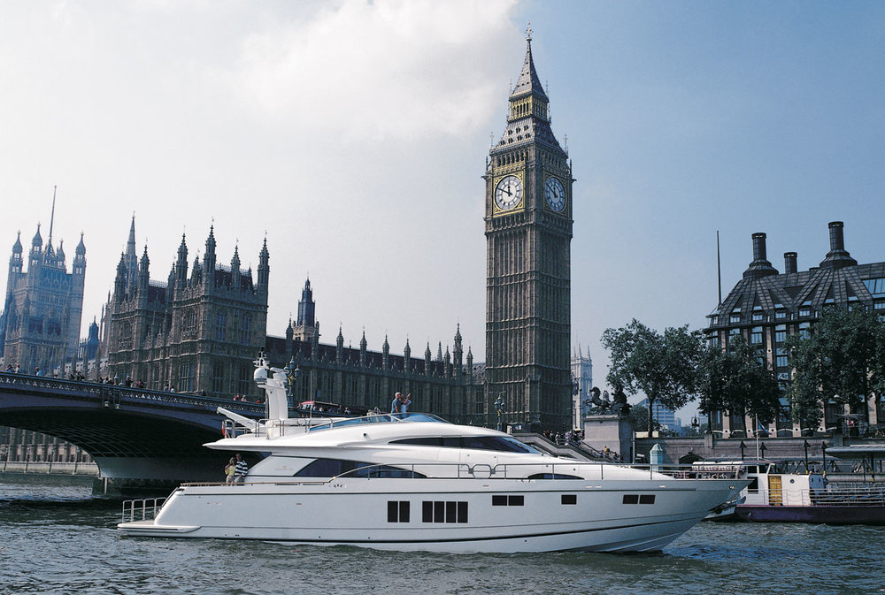 24m-luxury-motor-yacht-Squadron-78-Custom-by-Fairline-to-be-showcased-at-London-Boat-Show-2013.jpg