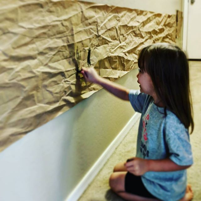 Rainy AZ days.  Keep them busy by letting them be creative and explore their inner artist. . . . . . #myworld #momblogger #azmom #azlife #letthembelittle #promotecreativity #screensoffimaginationon #letthembekids #eastvalleymom #rainydays☔️ #🌵☔#az🌵 #az #mylittleartist #art