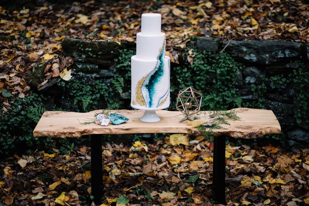 blue geode wedding cake.jpg