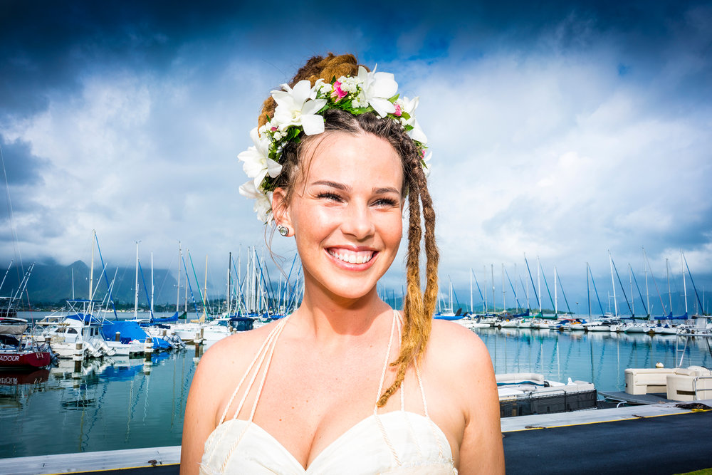 stan-moniz-photography-hawaii-wedding-photos-happy-bride.jpg