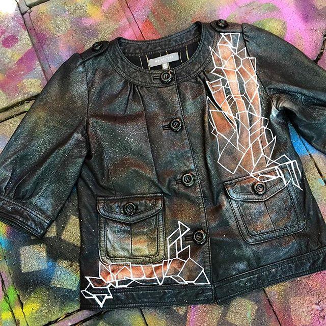 #new #custom #handpainted #genuine #leather #jacket #missme #couture #art #fresh #fashion #beauty #metal #artwork #abstract #wearableart #copper #paint #details #line #shape #work #flow #arte #norm4eva